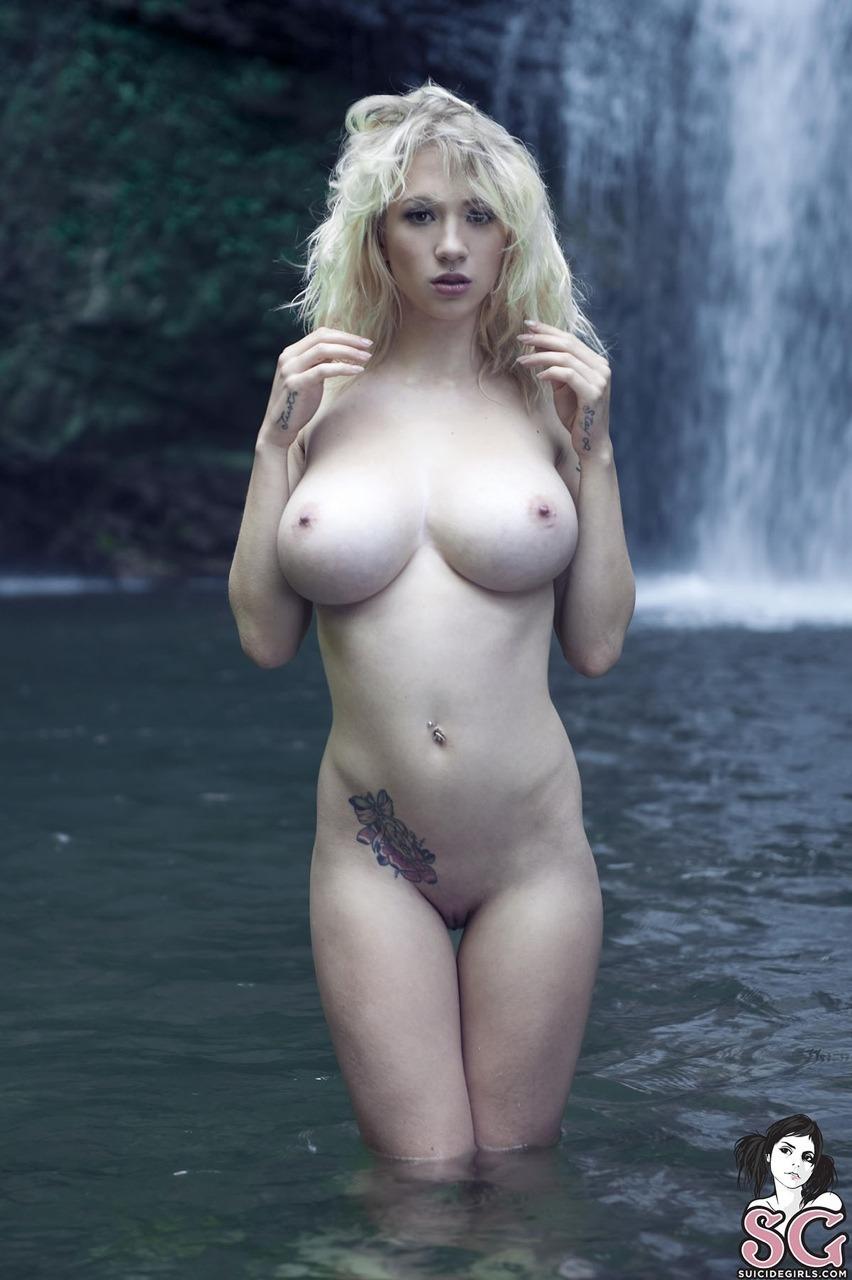 foto-nemetskih-golih-devushek-porno-s-lapuley