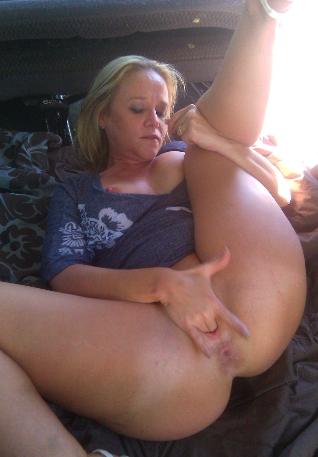 My mom juliette 40 years fingering bedroom