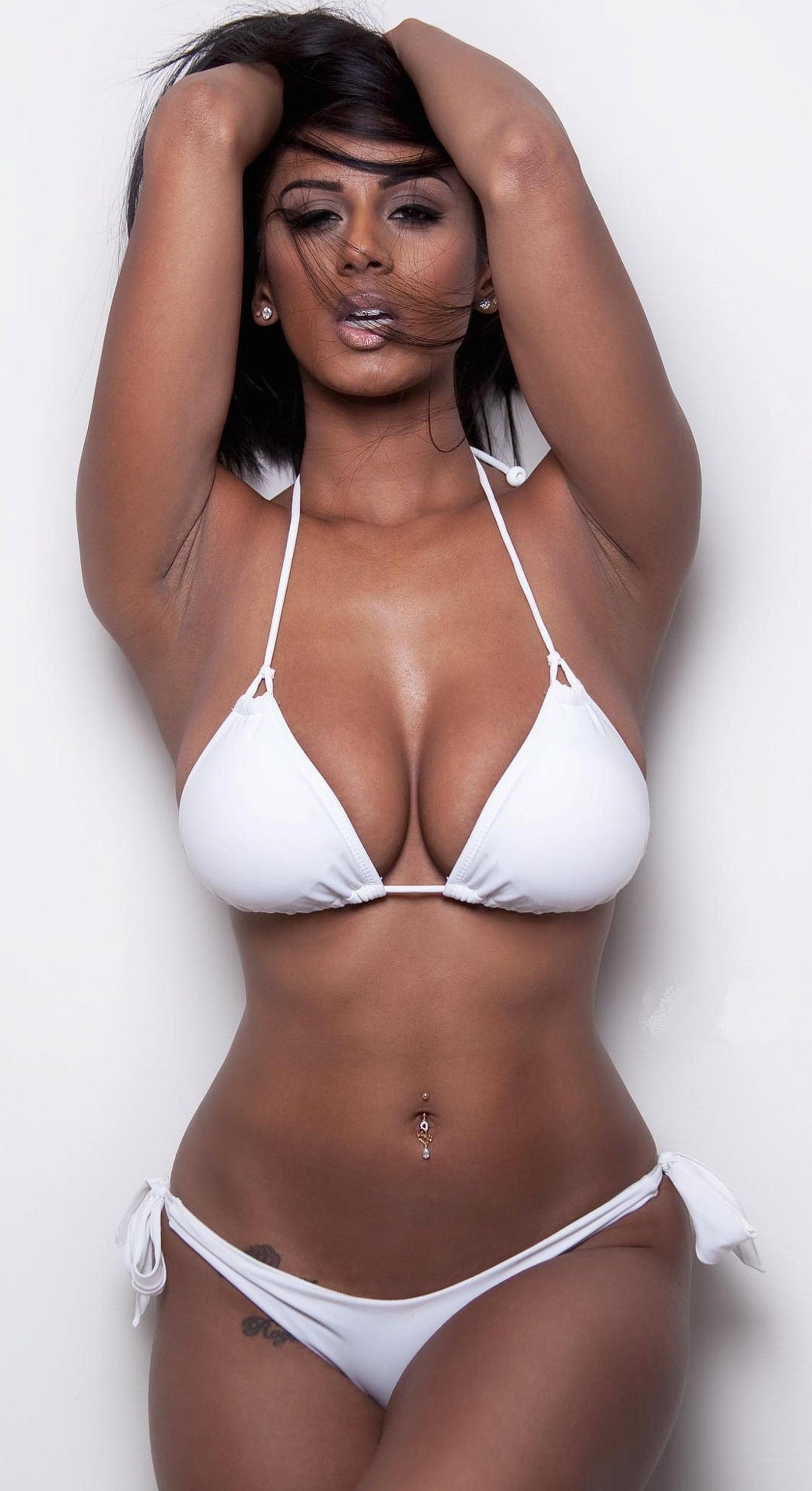 Latina Nudes
